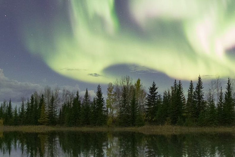 Town Of Hay River, Northwest Territories Selects Book King